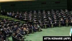 آرشیف، اعضای پارلمان ایران