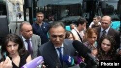 Armenia -- Transport and Communications Minister Gagik Beglarian answers reporters' questions, Yerevan, 10 June, 2013