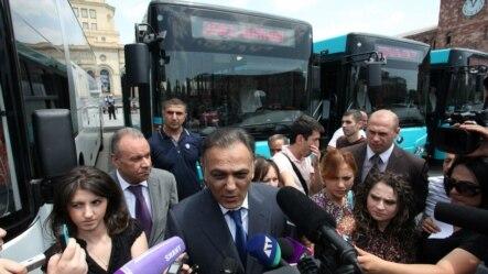 Արխիվ -- Գագիկ Բեգլարյանը պատասխանում է լրագրողների հարցերին, Երևան, 10-ը հունիսի, 2013թ․