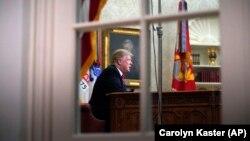 Президент США Дональд Трамп в Овальном кабинете Белого дома. Вашингтон, 8 января 2019 года.