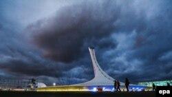 Вид на олимпийскую чашу в Сочи, 5 февраля 2014 года.