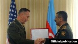 Müdafiə naziri Zakir Həsənov, ABŞ-ın Baş Qərargah rəisi general Jozef Dunford, 16 fevral 2017