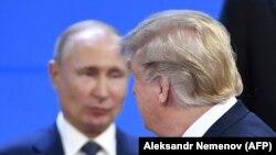 Трамп проходит мимо Путина, Буэнос-Айрес, 30 ноября 2018