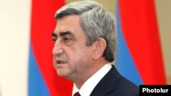 Armenia -- President Serzh Sarkisian addresses military personnel during an award-giving ceremony in Yerevan, 27Jan2011.
