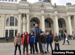 Абакаров с учениками