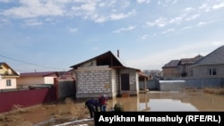 Подтопленный участков в селе Туздыбастау Алматинской области.