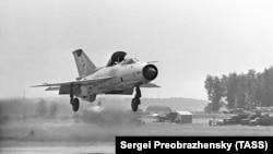 Радянський літак типу «МіГ-21» (ілюстративне фото)