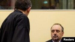 Goran Hadžić u sudnici, foto iz arhive