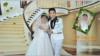 Римша, девушка из христианской общины в Лахоре, и ее муж из Китая на свадебной фотографии.