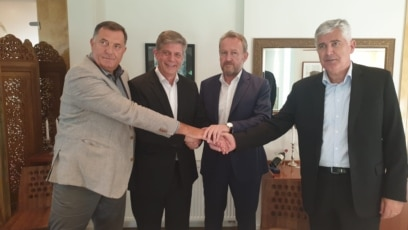 Bosnia and Herzegovina - Milorad Dodik, Lars G. Wigemark, Bakir Izetbegovic, and Dragan Covic Bakir Izetbegovic, Milorad Dodik and Dragan Covic signed the Principles for Formation of Government at the State Level. The meeting was held in Sarajevo, organiz