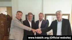 Milorad Dodik, Lars G. Wigemark, Bakir Izetbegović i Dragan Čović prilikom postizanja dogovora o formiranju Vijeća ministara BiH, (5. avgust 2019.)