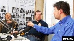 Moldova - Vsevolod Ciornei, Vlad Lupan, Andrei Popov, political analysts, 03May2009