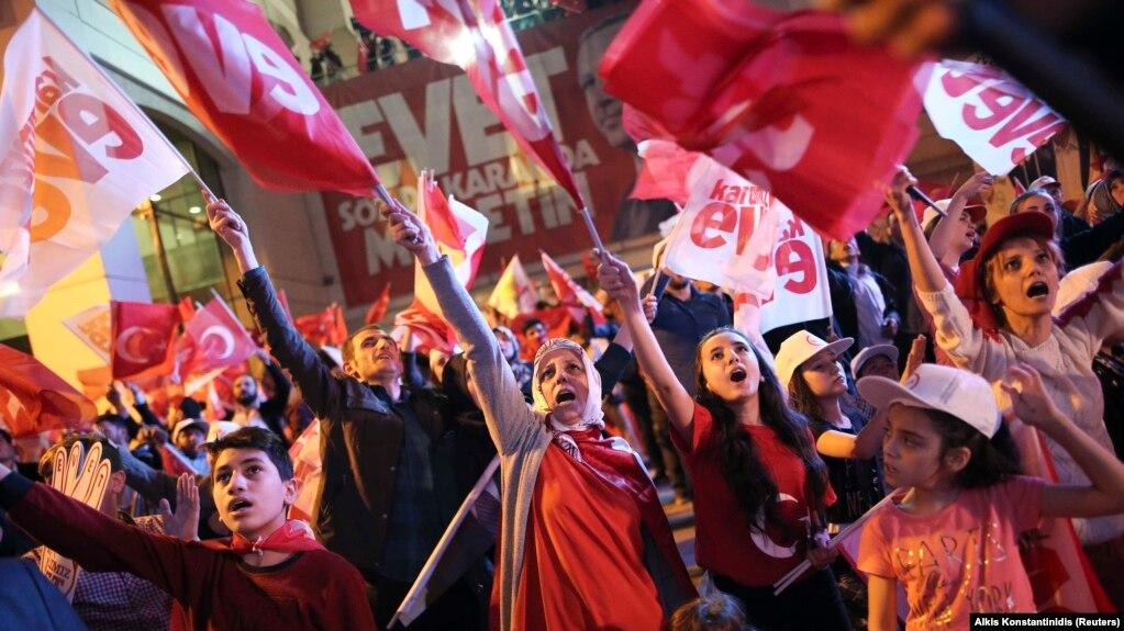 Rezultat slika za Erdoganova partija proglasila pobjedu na referendumu