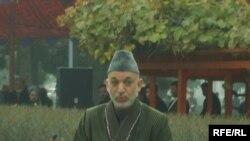 Курман айт майрамында Ооганстандын президенти Хамид Карзай талиптерди кайрадан элдешүүгө чакырды.