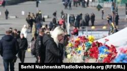 Народний меморіал на місці загибелі учасників Революції гідності, архівне фото