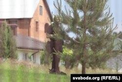 Вакол дома Бабарыкаў заўважаныя ўзброеныя супрацоўнікі міліцыі ў балаклавах