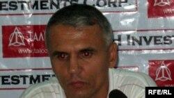 """Маҳмадҷон Ҳабибуллоев, сармураббии дастаи """"Регар-ТадАЗ""""-и Турсунзода."""
