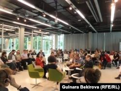 Сессия, посвященная памяти о депортациях крымских татар и турок-месхетинцев. Фото и архив автора