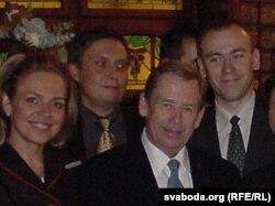 Дагмар Гаўлава, Аляксандар Лукашук, Вацлаў Гавэл, Андрэй Дынько. Прага, 2005
