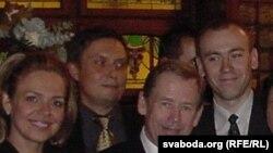 Дагмар Гаўлава, Аляксандар Лукашук, Вацлаў Гавэл, Андрэй Дынько. Прага, 2003