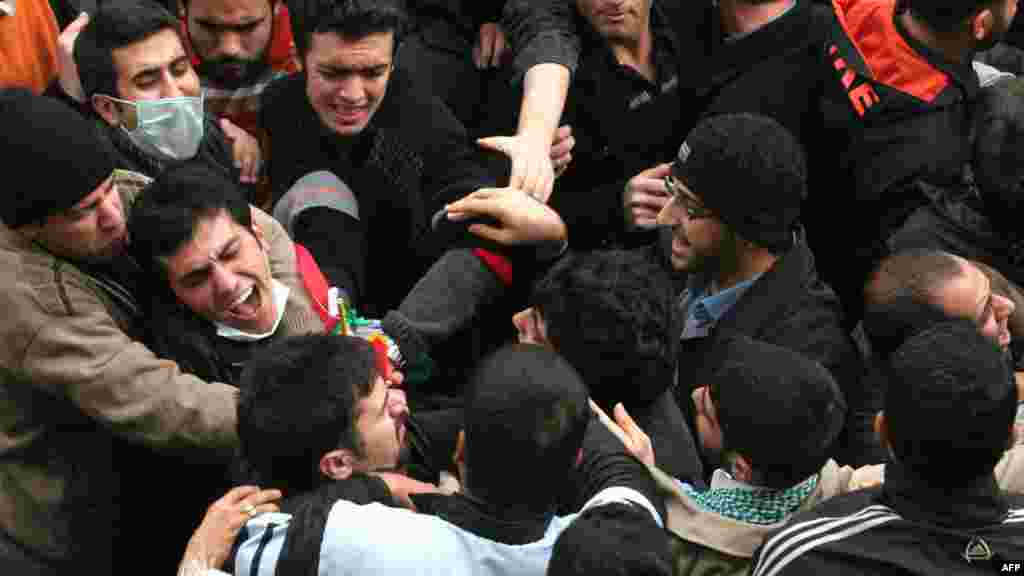 درگیری با دانشجویان معترض در دانشگاه تهران