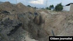 Fojia Kattaqo'rg'on shahridagi Ulug'bek Barnoev ko'chasida qazilgan mana shu kanalizatsiya handagida ro'y bergan.