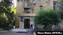Казыбекбийский районный суд, где рассматривалось уголовное дело в отношении экс-замакима Карагандинской области Жандоса Абишева. Караганда, 5 сентября 2019 года.
