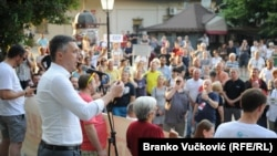 Lider Dveri Boško Obradović, na jednom od protesta u Kragujevcu, iz juna 2019. godine