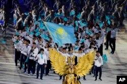 Сборная Казахстана на открытии Азиатских игр в Джакарте. 18 августа 2018 года.
