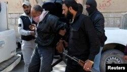 Сцена из действий воруженной исламистской группировки в Сирии. Провинция Ракка, 14 марта 2013 года.