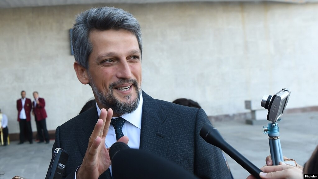 Депутаты-армяне парламента Турции поздравили армянский народ и лидеров движения
