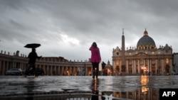 Vatikan - Sheshi i Shën Pjetrit