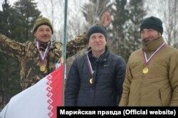 Булат Ахматьянов (справа)