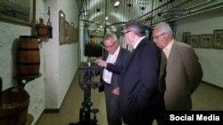 Візит французьких депутатів на кримський винзавод