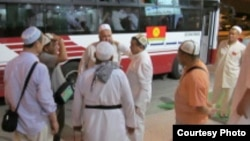 Сауд Арабия -- кыргызстандык зыяратчылар, 30-октябрь, 2011.