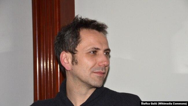 Oliver Frljić je jedan od umetnika koji se hrabro bavi temama iz skorije prošlosti