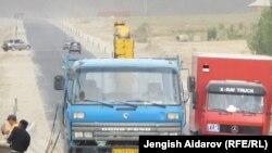 Автодорога Баткен-Пульгон, Баткенская область, сентябрь 2012 года.