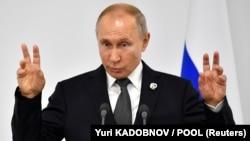 Президент В. Путин в Осаке 29 июня 2019 года