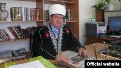 Оьрсийчоь -- Ямало-Ненецкийн автономин гонан муфтий Хафизов Хайдар.