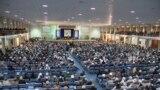د افغانستان په پلازمېنه کابل کې دودیزه لویې جرګې ته ولسمشر حامد کرزی وینا کوي.۱۶ نومبر ۲۰۱۱