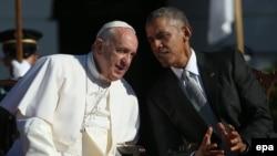 Папа Римський Франциск (ліворуч) і президент США Барак Обама. Вашингтон, 23 вересня 2015