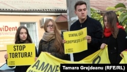 Protestul reprezentanţilor Amnesty International Moldova