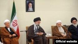 آیتالله خامنهای در جمع اعضای مجلس خبرگان