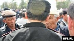Екінші қырғыз революциясы осылай басталған еді. Талас, 6 сәуір 2010 ж.
