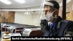 В Україні зростає кількість хворих на COVID-19