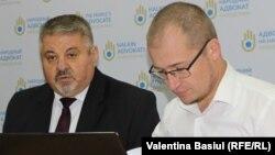Alexandru Zubco (dreapta), alături de avocatul poporului Mihail Cotorobai