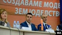 Министерот за земјоделство Љупчо Николовски