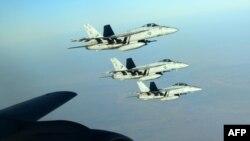 مقاتلات أميركية بعد تزودها بالوقود في الجو فوق العراق