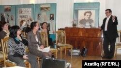 Рөстәм Әхмәров Сәйдәш музеенда үткән кичәләрнең берсендә