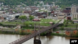 The town of Steubenville sits near the Ohio River.